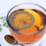 Зеленый чай можно сделать еще полезней при помощи дольки лимона