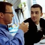 Как убедить в чем-либо несговорчивого работника? Предложите ему попить с вами кофейку